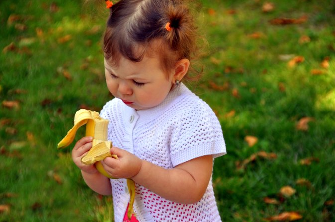 What Can My Toddler Eat When She Is Throwing Up?