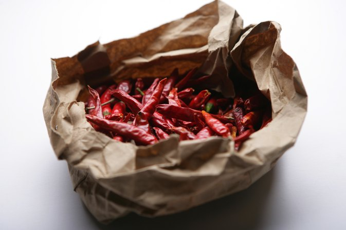 How to Use Dry Red Chili Pods