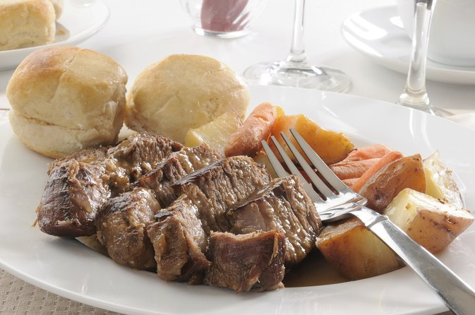 How to Cook a Blade Roast in the Slow Cooker
