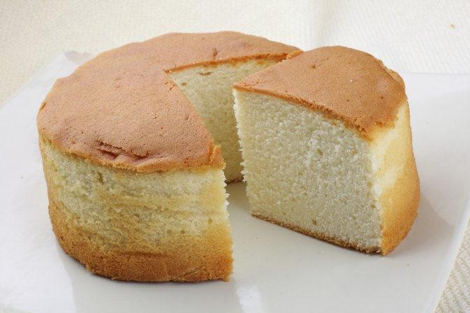 What Can I Use Instead of Eggs for Baking a Cake?