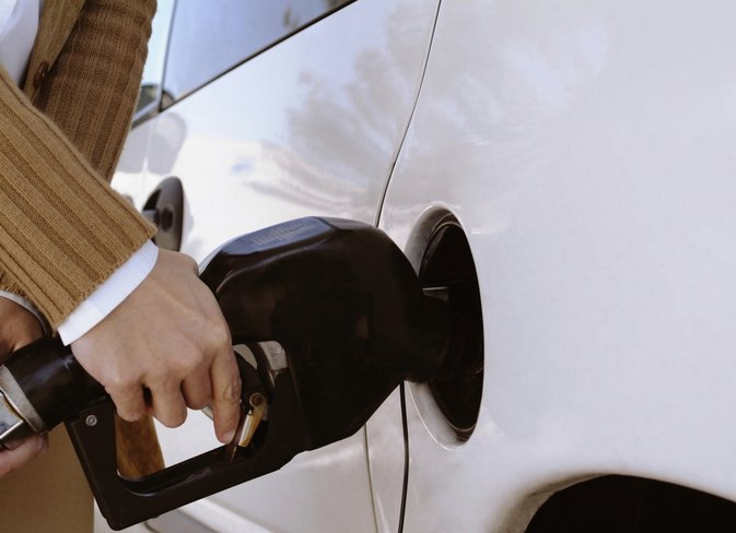 The Reasons a Car Smells Like Gas When Driving and While Parked