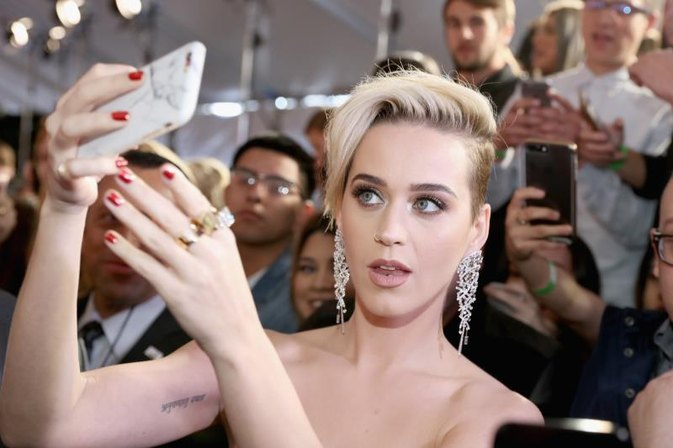 At Least Katy Perry's Red-Carpet Snafu Was a Healthy One