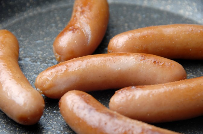 How to Cook Little Smokies With BBQ Sauce