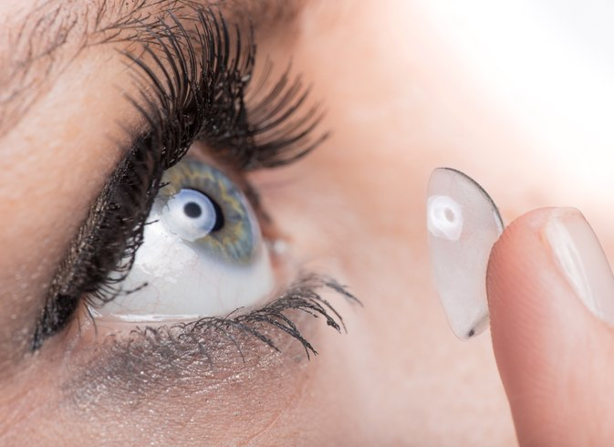 Problems From Sleeping With Contact Lenses