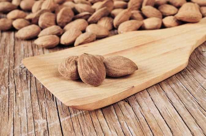 What Are the Health Benefits of Bananas and Almonds?