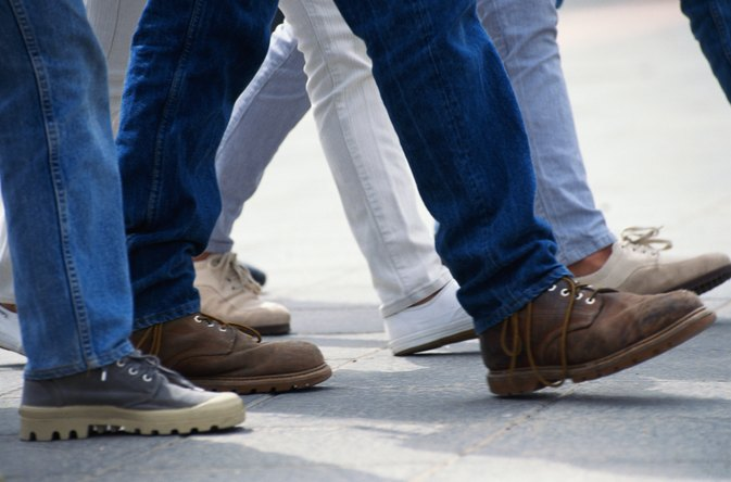 Differences Between Bootcut & Straight Leg Jeans