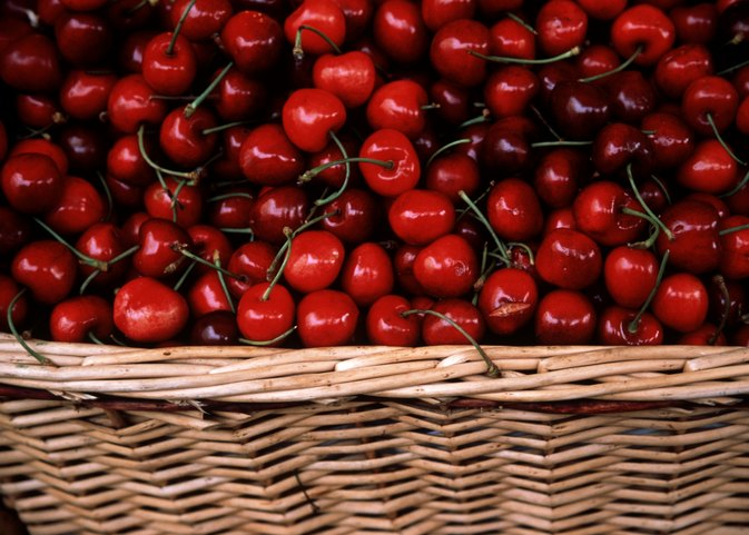 How to Get Rid of Intestinal Bloating Caused by Cherries
