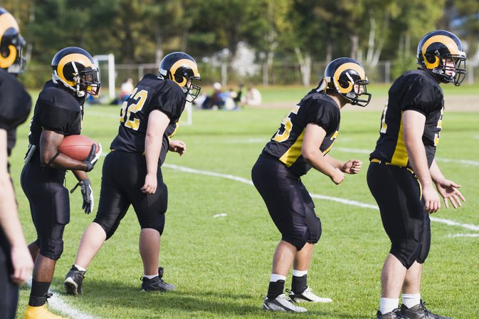 What Is an Average Height for a Male Football Player?