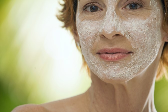 How to Make Face Masks With Baking Soda