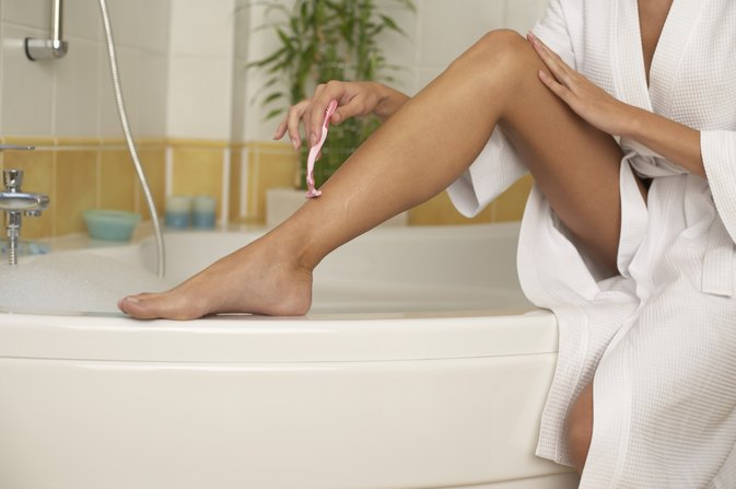 How to Get Rid of Razor Bumps on a Leg