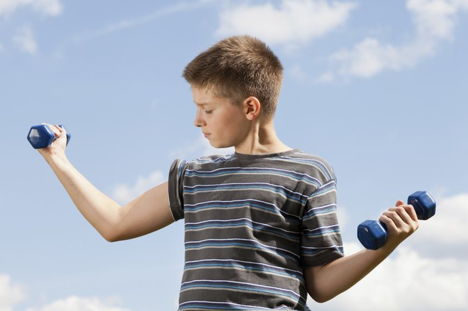 At What Age Can a Child Work Out With Weights?