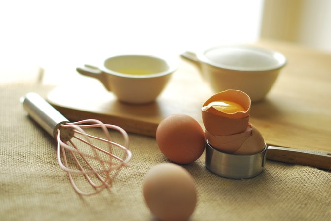 The Differences in Baking with Jumbo & Large or Medium Eggs