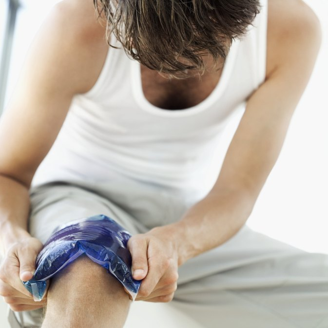 Remedies for a Swelling Knee After Knee Surgery