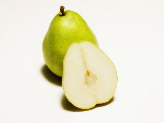 Can You Eat Pears at Night to Lose Weight?