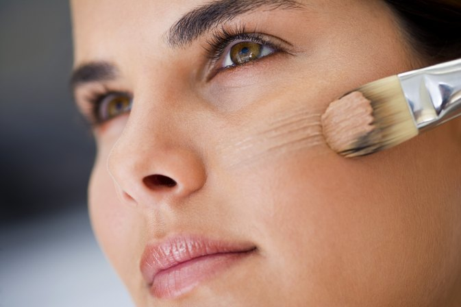 How to Get Rid of Sunken Eyes & Circles   LIVESTRONG.COM