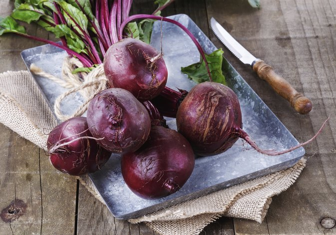 What Are the Benefits of Beet & Apple Juice?