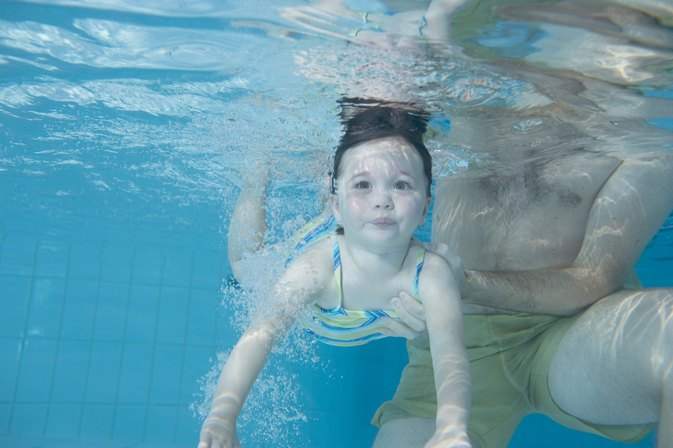 How to Teach Beginner Swim Lessons