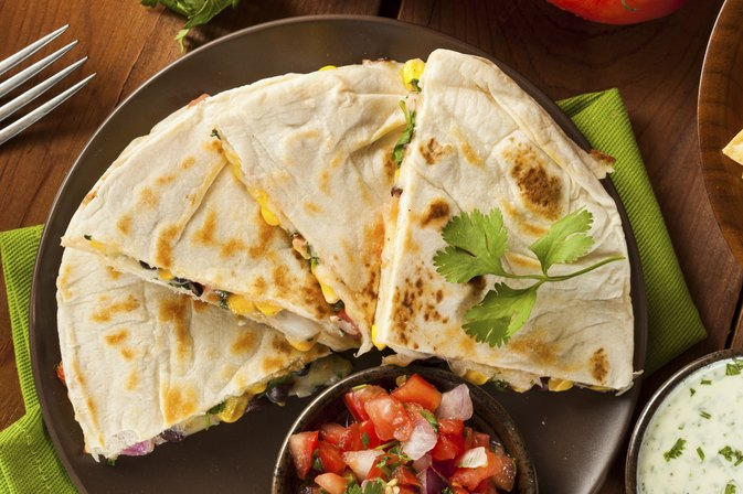 cheese quesadilla calories