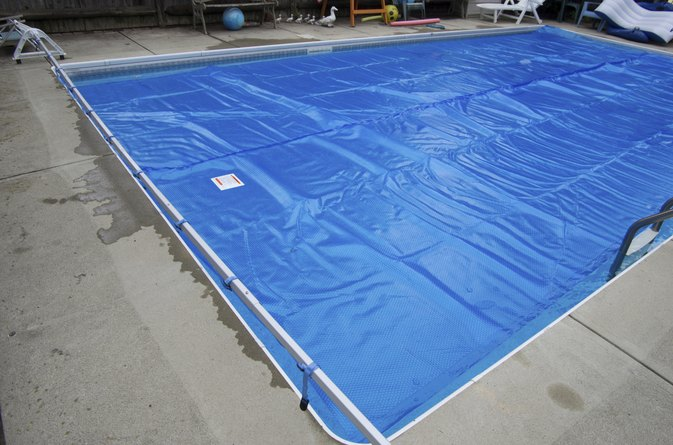 Organic Cleaning Tips for Vinyl Pool Liners