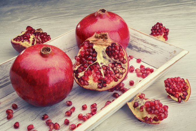 What Are the Benefits of Green Tea & Pomegranate?