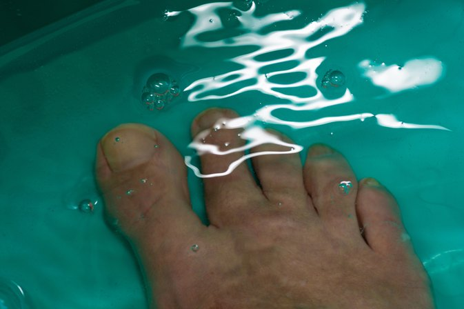 How to Make a Detox Footbath