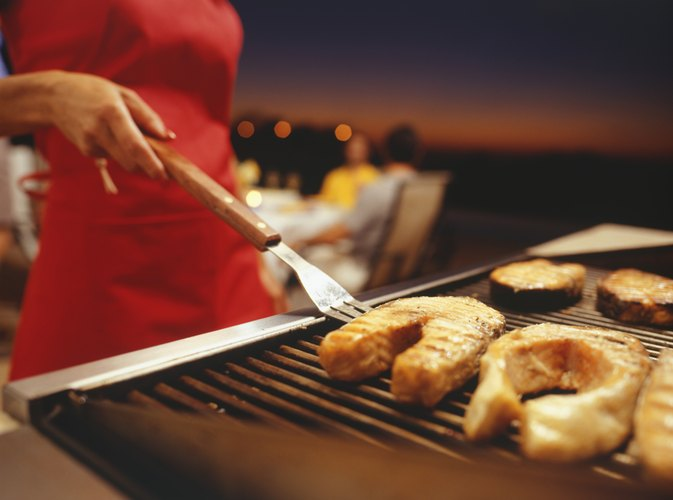 How to Cook Frozen Fish on a Grill