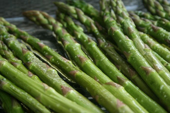 How to Cook Asparagus in a Skillet
