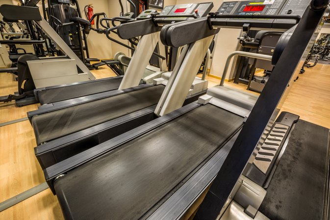 How to Repair a Treadmill That is Sticking