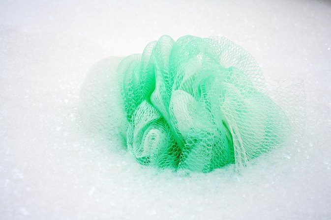 How to Use a Loofah Sponge