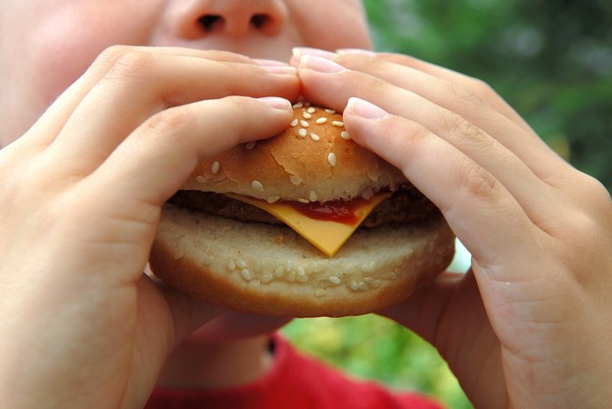 How Does a Diet of Fast Food Impact the U.S. Health Care System?