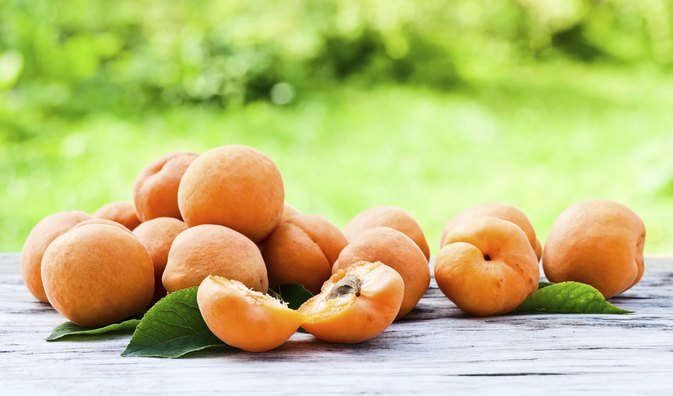 How to Cook Fresh Apricots