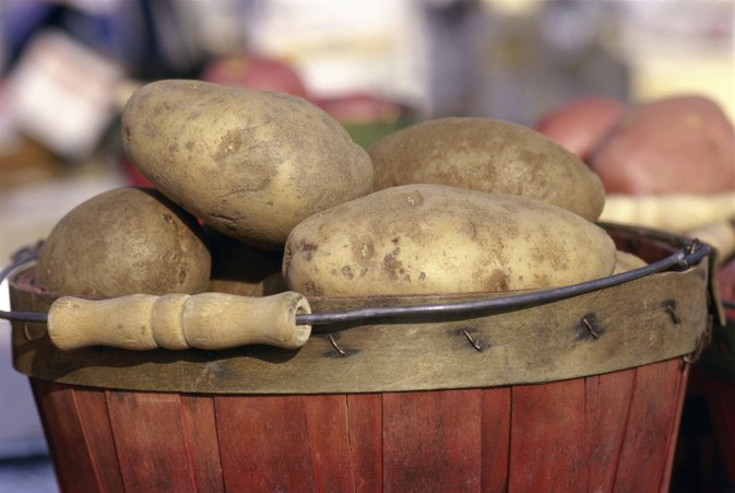 How to Bake a White Potato in the Oven