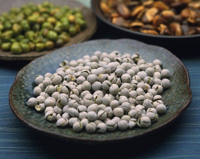 White Pea Health Benefits & Side Effects