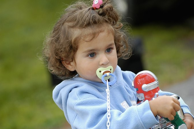 Do Pacifiers Affect Baby Teeth?