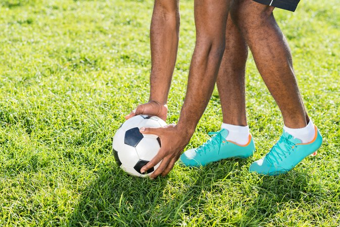 How to Remove Scuffs From Soccer Cleats