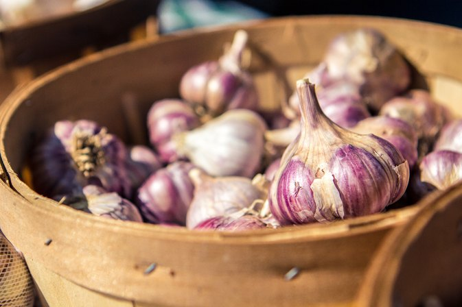 Does Garlic in Abundance Damage the Eyesight?