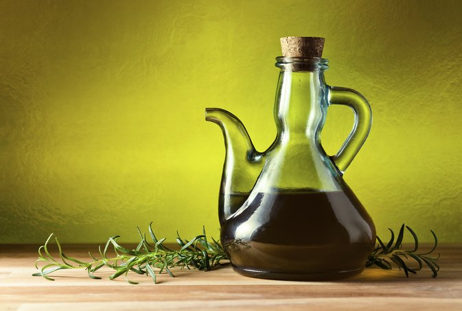What Is the Difference Between Olive Oil & Sunflower Oil?