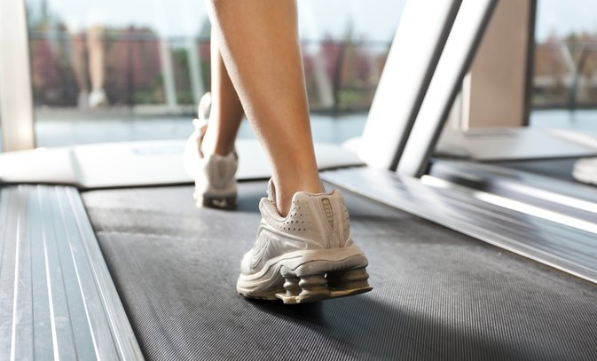 What Causes Burning in the Chest When Walking on the Treadmill?