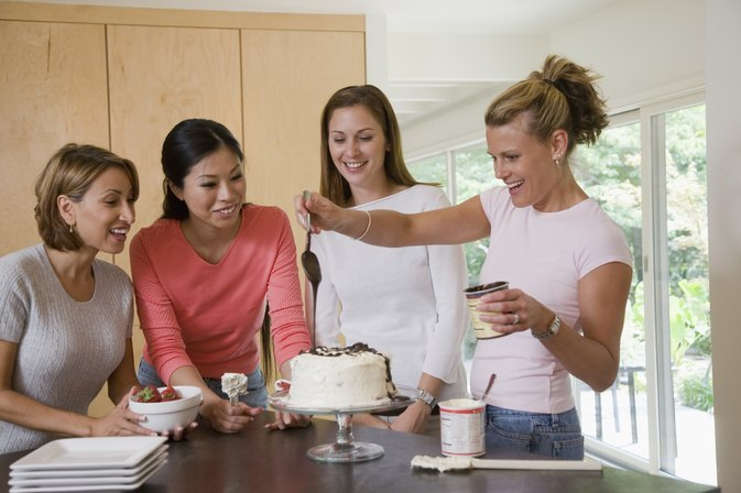 How to Bake a Cake in a Pampered Chef Stone