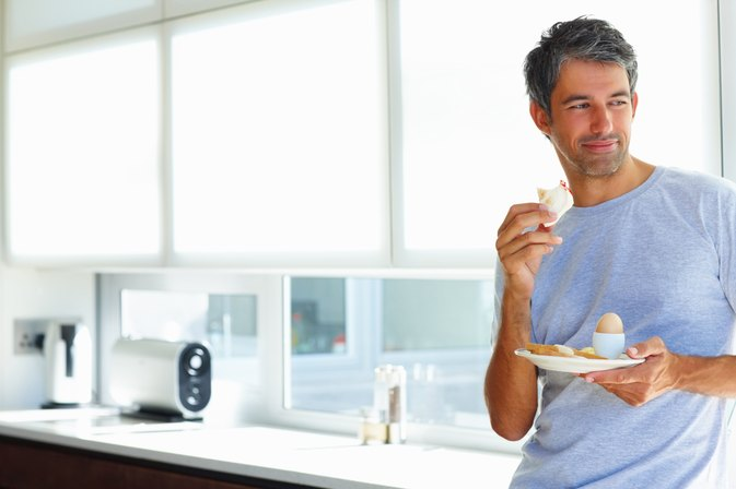 How Many Calories Should an Adult Male Have Per Day?