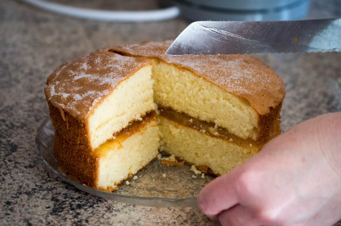Low-Carb Sponge Cake Made with Whey Protein