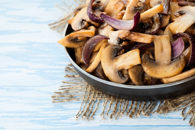 Nutrition Facts of Sauteed Mushrooms & Onions
