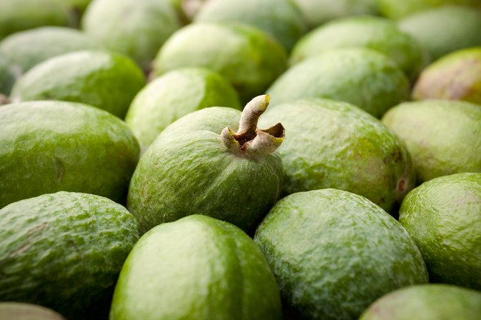 What Kinds of Vitamins Do Guavas Have?