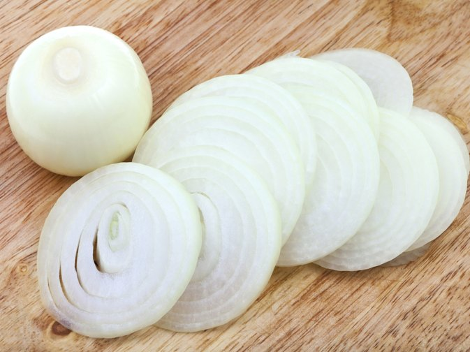How to Eat Raw Onions for a Cold and Stuffy Nose