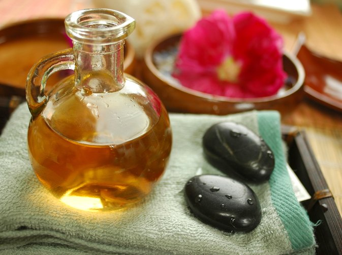 What Are the Benefits of Olive Oil Massage?