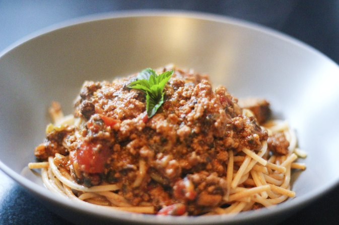 Can You Slow-Cook Uncooked Spaghetti with Sauce?