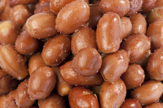 Raw Vs. Roasted Spanish Peanuts: Which Is Better?