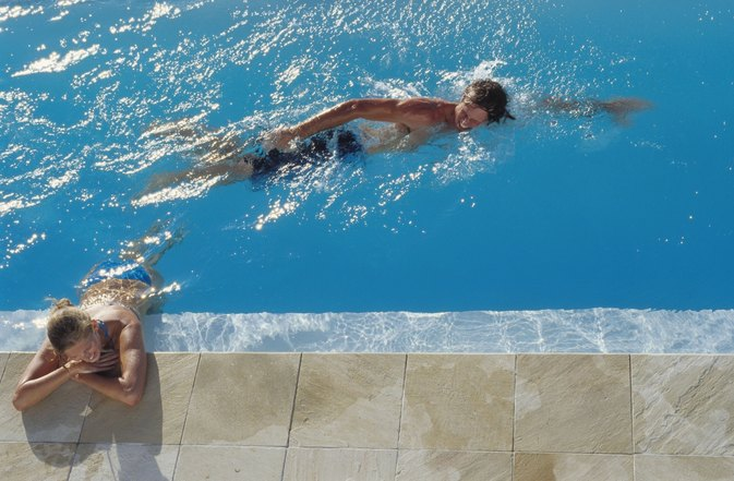 Risk of Skin Irritation in High Chlorine Pools