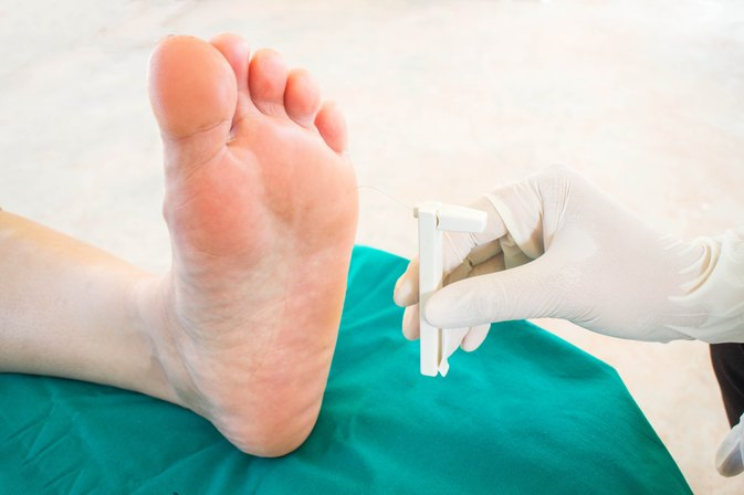 Does Folic Acid Help Neuropathy in Feet?