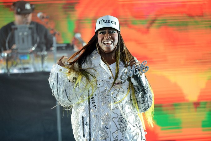 Missy Elliott looks amazing after cutting out bread and soda